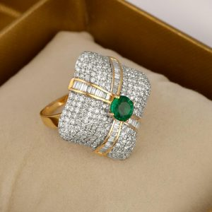 18k Gold Diamond Ring with Green Stone