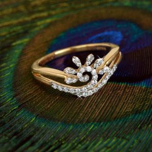 Traditional Gold Diamond Ring